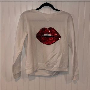Woman's Hanes small top